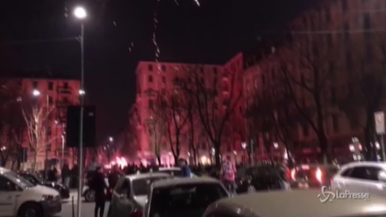 Fuochi d'artificio in piazzale Archinto