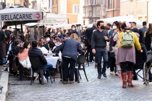 Roma, isolate piazze della movida: oltre 40 sanzioni per assembramenti