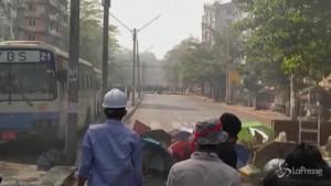 Protesta sfocia in violenza a Yangon