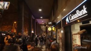 Proteste a Barcellona per arresto rapper Hasel