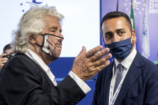 Giuseppe Conte e Beppe Grillo alla presentazione del Libro Blu 2019