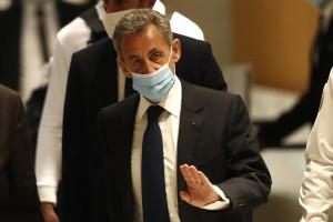 Sarkozy condannato a tre anni di carcere per corruzione