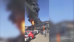 Incendio all'ex centro direzionale Fiat