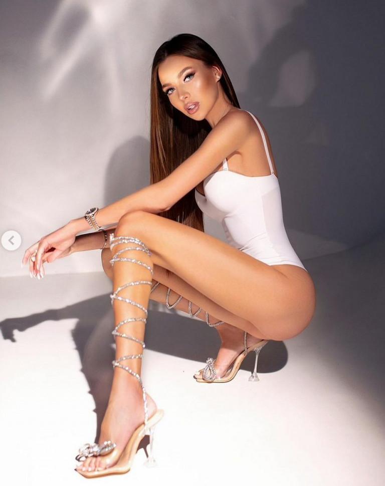 La modella russa Arina Nazarova (fonte Instagram)