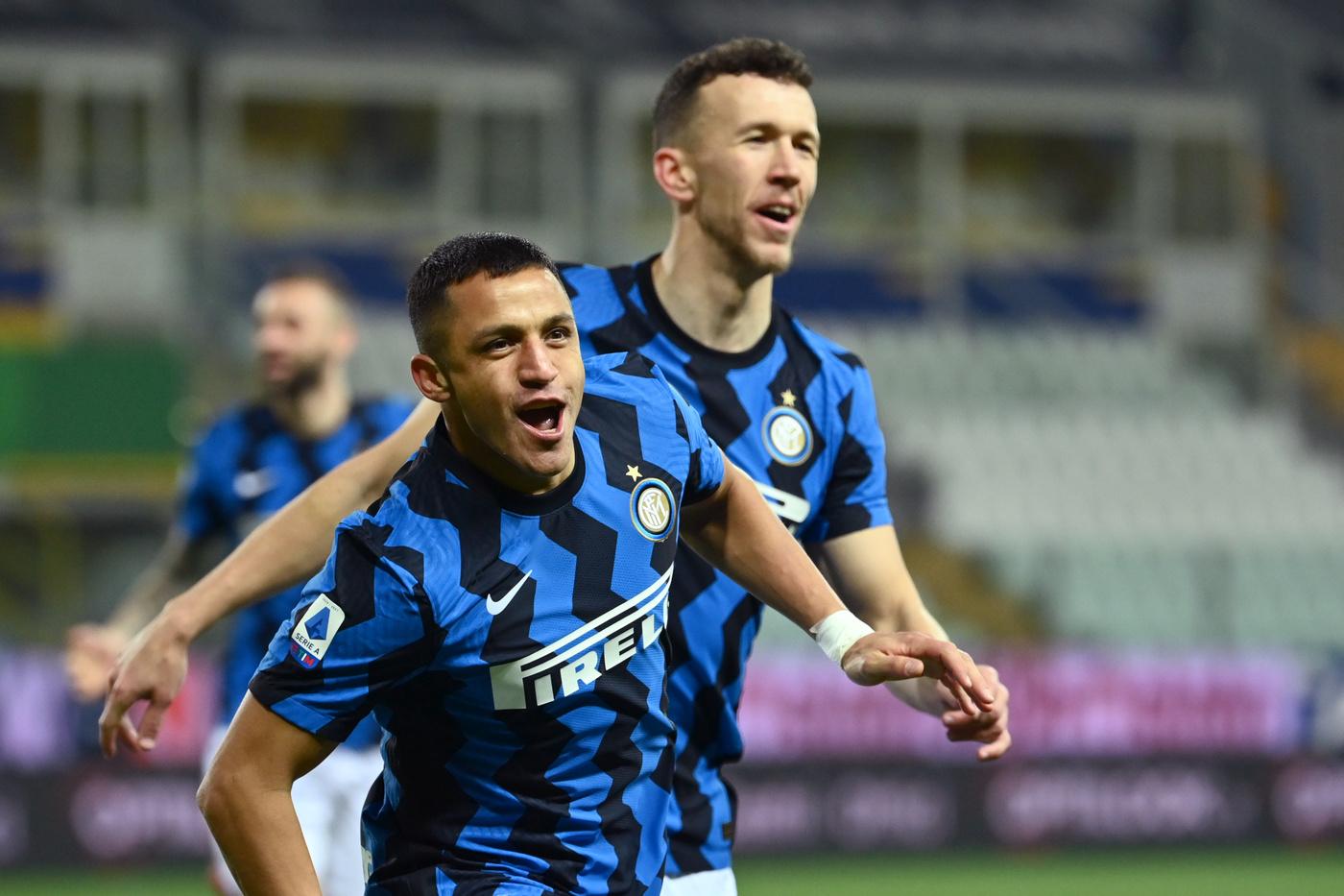 Alexis Sanchez (FC Internazionale Milano) esulta dopo aver realizzato il gol 0-1