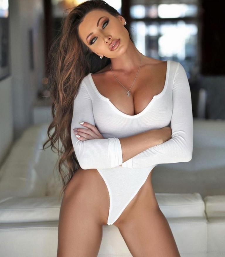 La sexy golfista Holly Sonders (fonte Instagram)