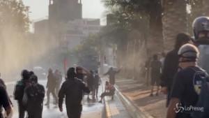 Santiago manifestazione contro la violenza della polizia