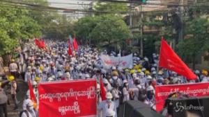 proteste contro il golpe militare