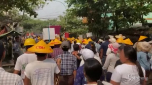 Manifestanti ancora in marcia contro il colpo di stato