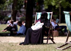 Divieto di burqa e niqab in pubblico