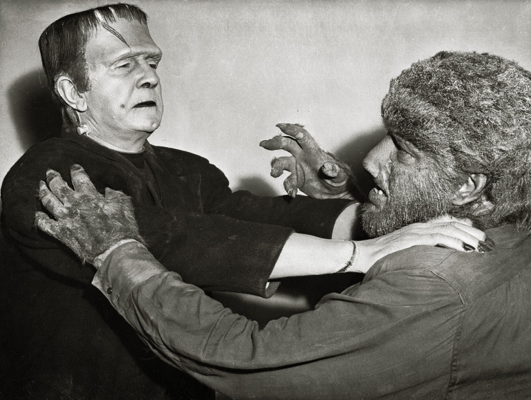 Mary Shelley pubblica il romanzo Frankenstein