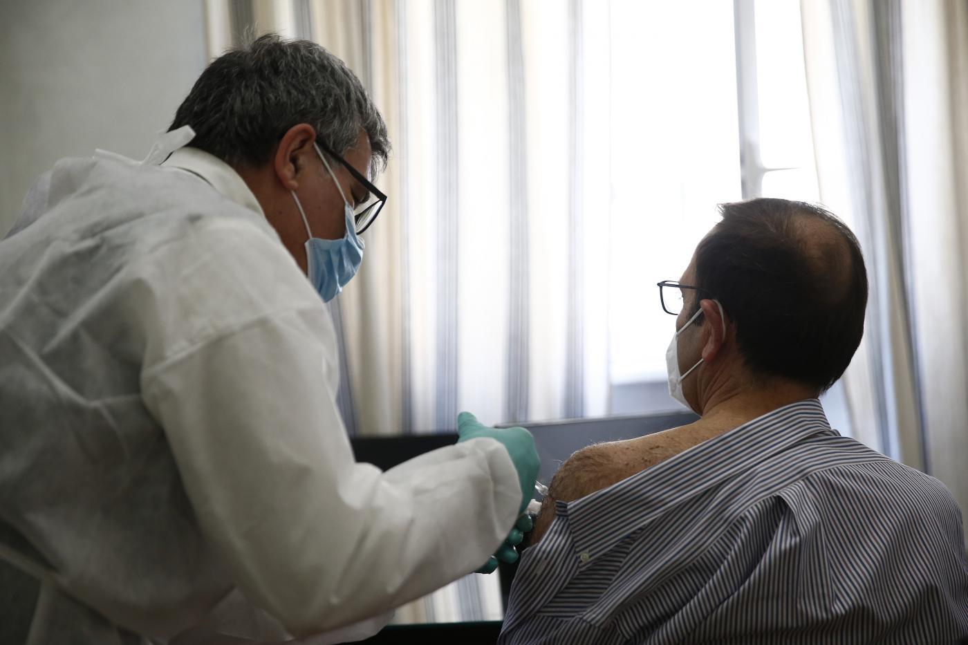 Vaccini, Stefani-Speranza assicurano priorità a disabili