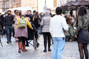 Folla Sardegna in zona bianca