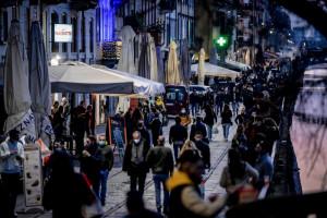 Coronavirus, controlli anti-movida a Milano: pattuglie in Darsena