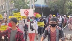 manifestazioni contro il colpo di stato