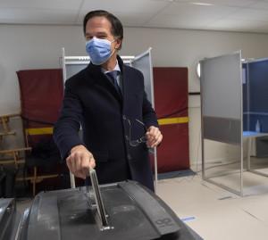 Olanda, elezioni legislative: seggi aperti 3 giorni