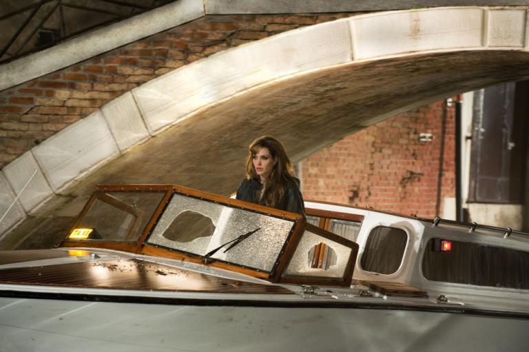 Angelina Jolie nel film The Tourist girato a Venezia