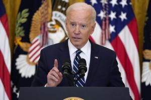 Biden raddoppia l'obiettivo sulle vaccinazioni