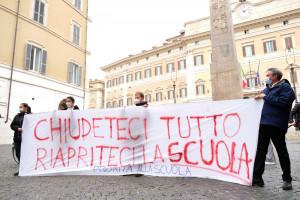 Scuola - protesta contro DAD