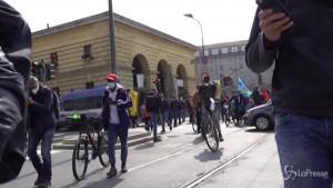 Rider in sciopero a Milano