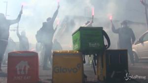 rider in sciopero per il #nodeliveryday