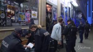 cittadini infrangono le regole del lockdown