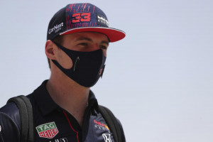 Verstappen conquista la pole