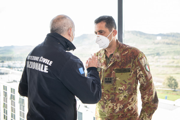 Vaccini, il generale Francesco Paolo Figliuolo e l'ingegnere Fabrizio Curcio a Catanzaro