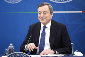 Covid, Draghi: Torni 'gusto del futuro'. Speranza frena 'aperturisti': Prudenza