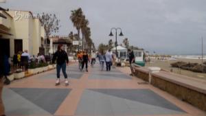 Turisti tedeschi in vacanza in Spagna per la Settimana Santa