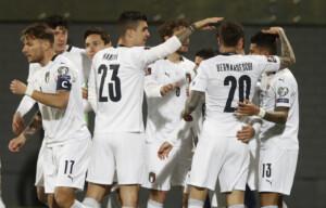 Calcio, Italia fa tre su tre: Sensi e Immobile stendono Lituania