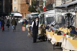 Il centro di Roma semi deserto per la pandemia di Coronavirus