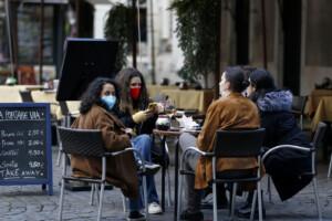 Nuove disposizioni anti covid, Roma torna zona gialla la ristorazione riapre fino alle 18