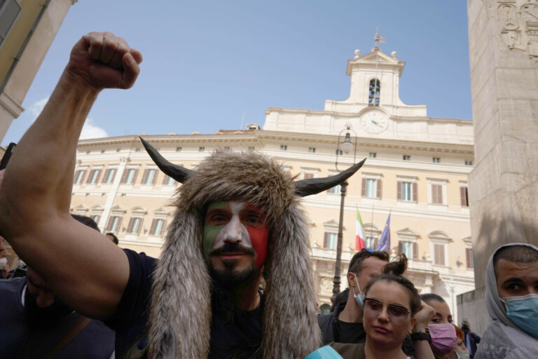 Coronavirus, protesta dei ristoratori a Roma contro le misure restrittive del governo