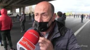 Caserta, la protesta degli ambulanti