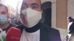 """Covid, manifestanti rifiutano incontro con Fiano: """"Vogliamo governo, la piazza aspetta risposte"""""""