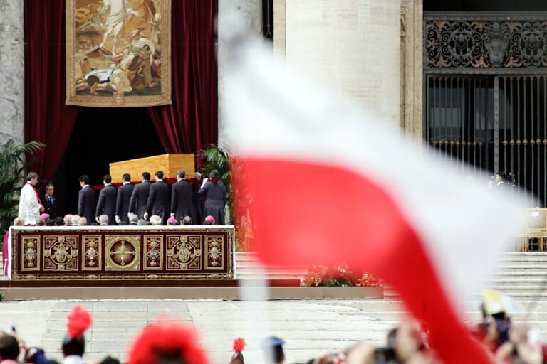 Solenni funerali per la morte di Sua Santità Papa Giovanni Paolo II