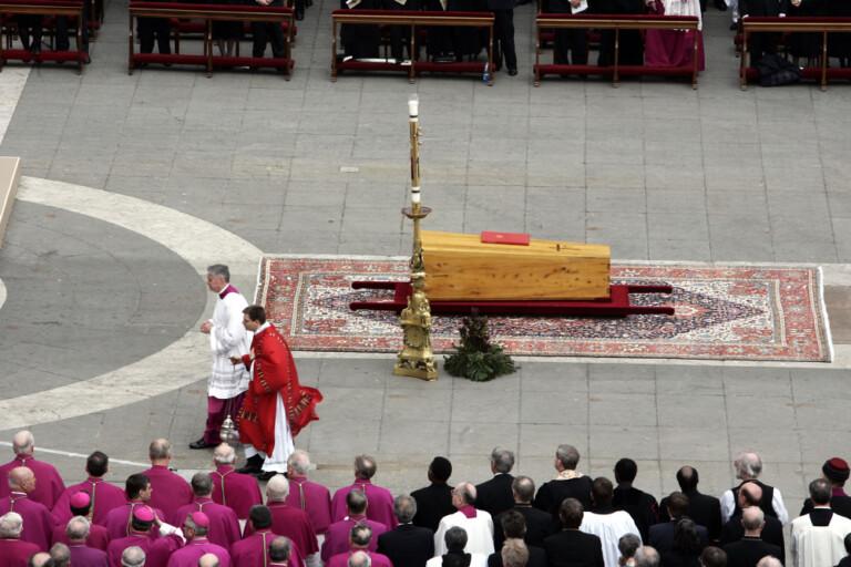 Solenni funerali