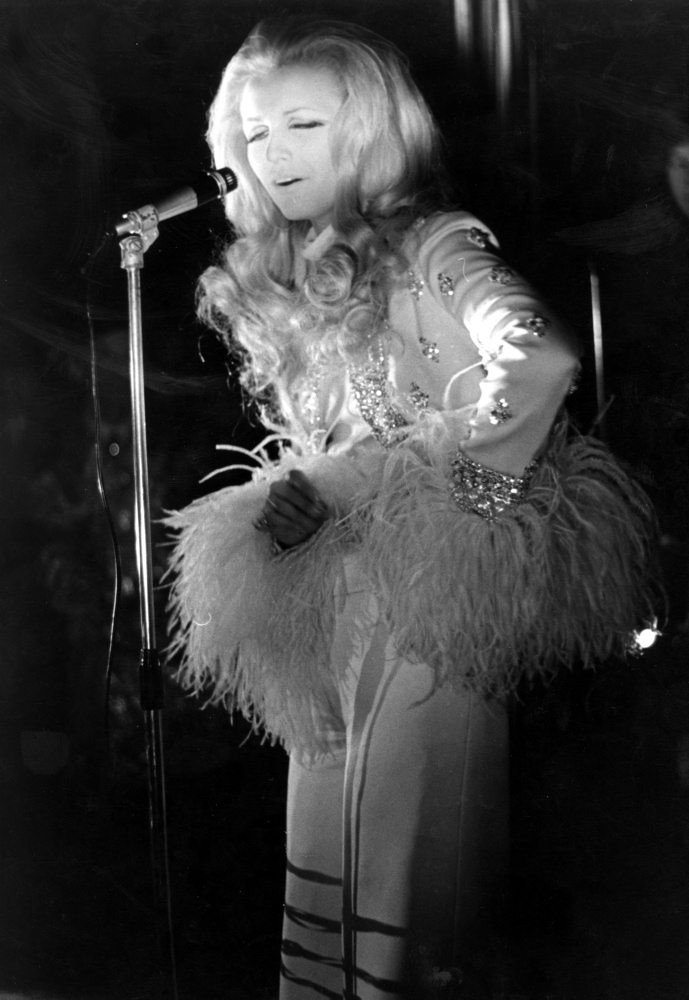Patty Pravo canta al Piper Club