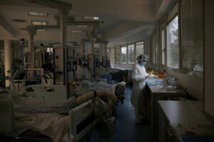 Allarme contagi nel Lazio, vicina la soglia critica della terapia intensiva