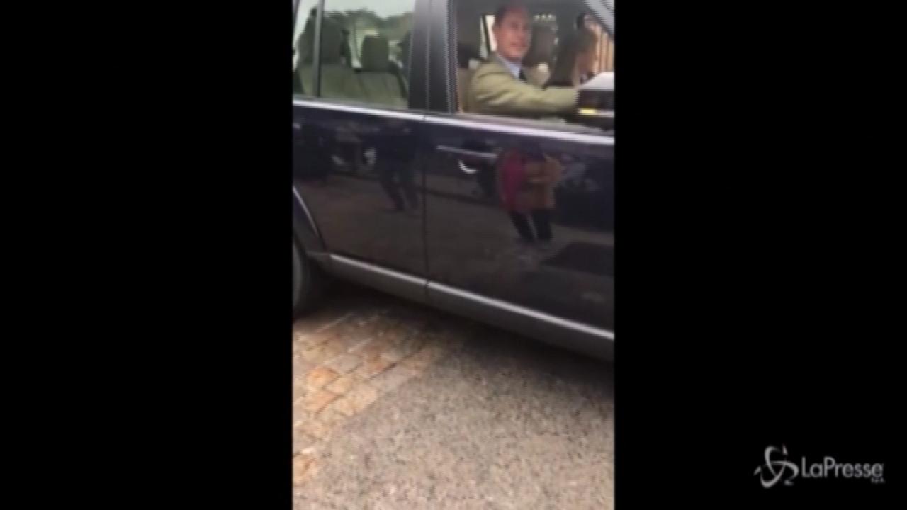 il principe Edoardo lascia il castello di Windsor