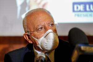 De Luca strappa con governo: Dopo over 80 no vaccini per età. Figliuolo: No deroghe