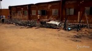 In fiamme una scuola in Niger