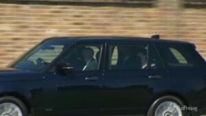 arrivo di William e Kate in un corteo di auto