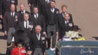 Funerali Filippo: il corteo dei familiari dietro il feretro