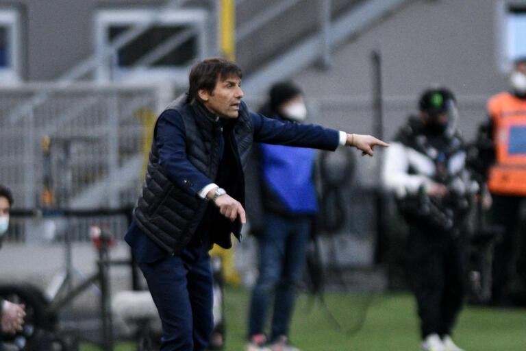 Handanovic 'lancia' il Napoli. Eirksen salva l'Inter al Maradona