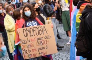 Manifestazione a favore della legge sull'omotransfobia