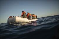 Migranti, operazioni di recupero della ONG Open Arms nel Mar Mediterraneo al largo della costa libica