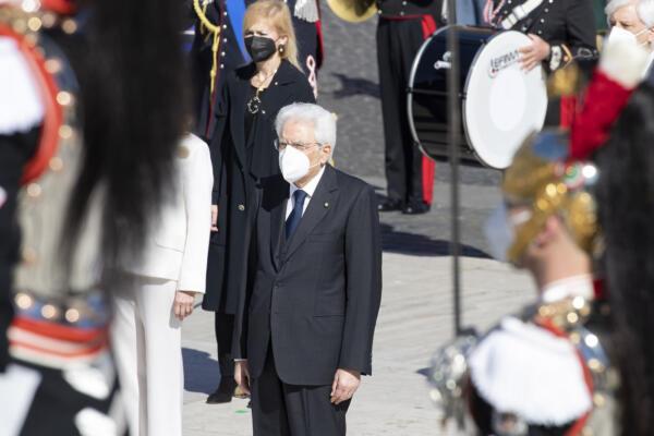Roma, celebrazioni all'Altare della Patria per l'anniversario della liberazione d'Italia