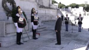 Mattarella all'Altare della Patria